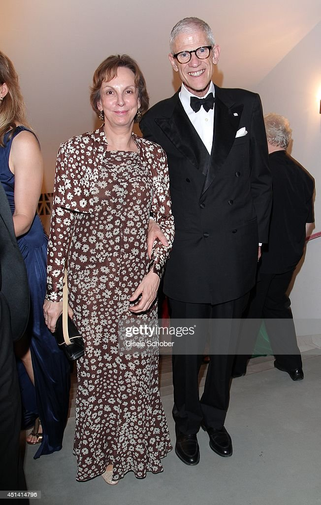 Liselotte Goedel - Meinen and Sir Peter Jonas attends the 'Guillaume Tell' Opera Premiere at the Opera Festival Opening In Munich on June 28, 2014 in Munich, Germany.