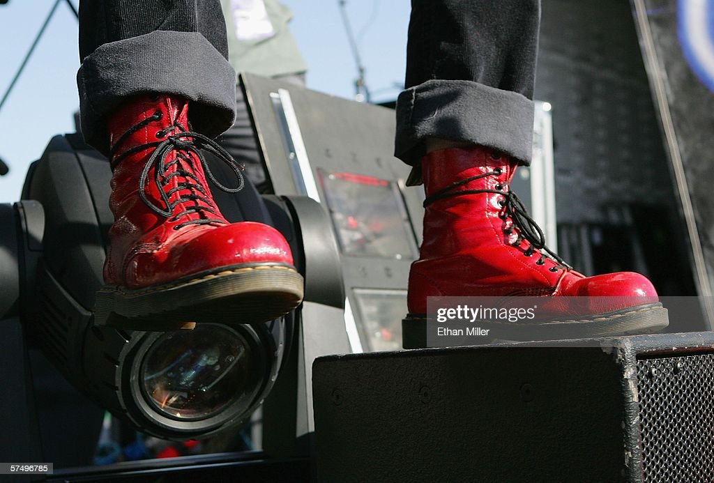 Lit bassist Kevin Baldes performs during the Extreme Thing Festival at Desert Breeze Park April 29 2006 in Las Vegas Nevada