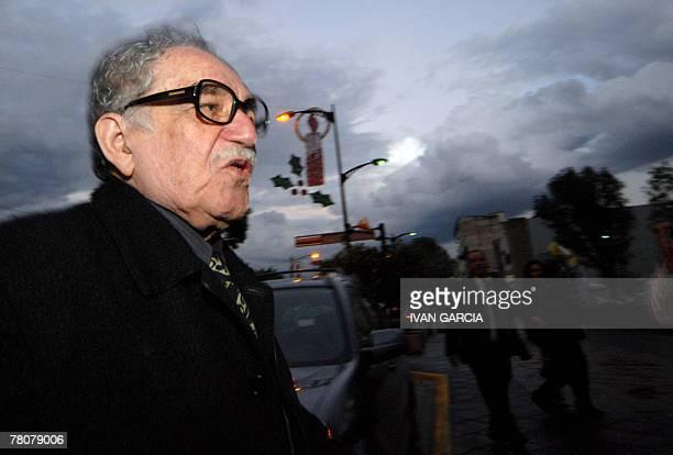 Literature Nobel Price Colombian Gabriel Garca Mrquez at his arrival to the University of Guadalajara in Guadalajara Mexico 23 November 2007 AFP...