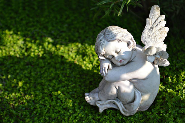 Садовая скульптура из гипса