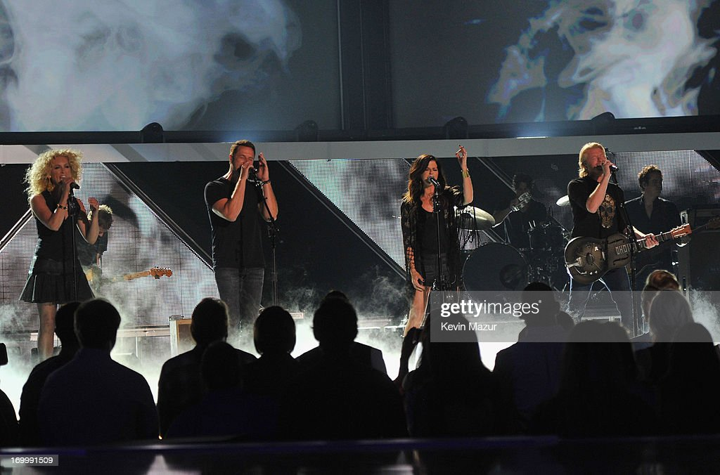 Little Big Town perform during the 2013 CMT Music awards at the Bridgestone Arena on June 5, 2013 in Nashville, Tennessee.