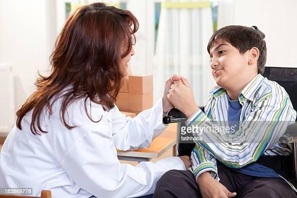 Little Boy und Arzt