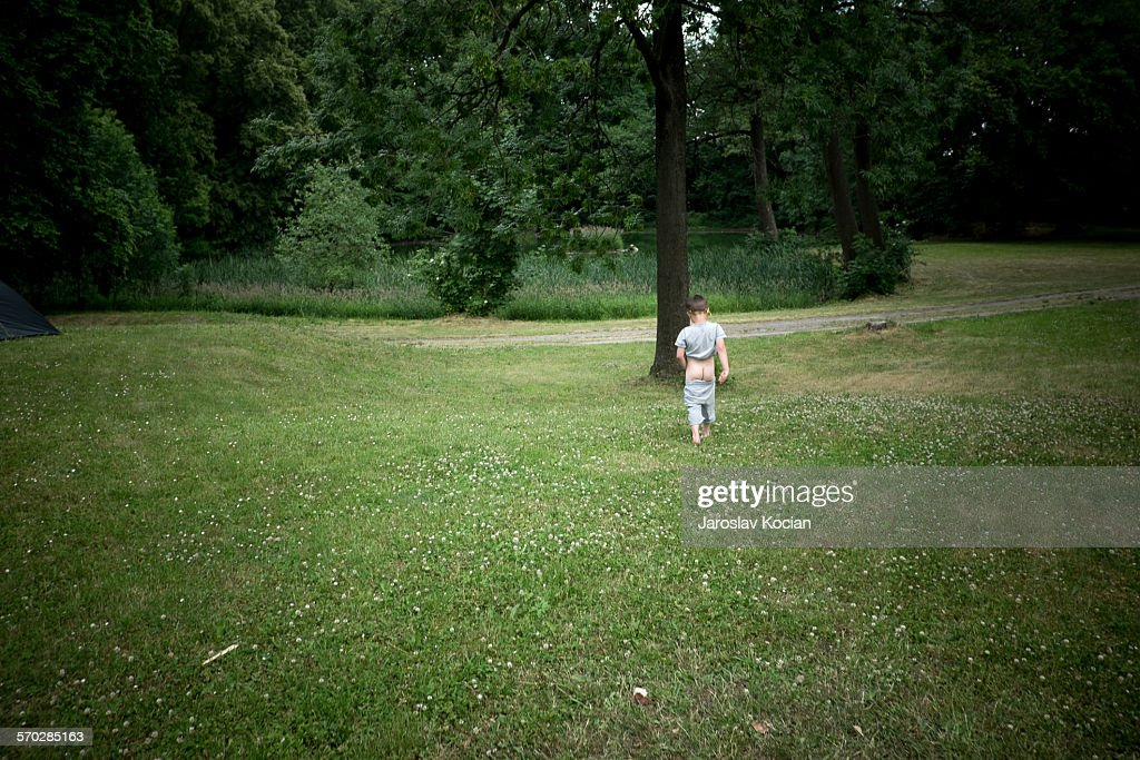 Kids Peeing Photos Et Images De Collection Getty Images