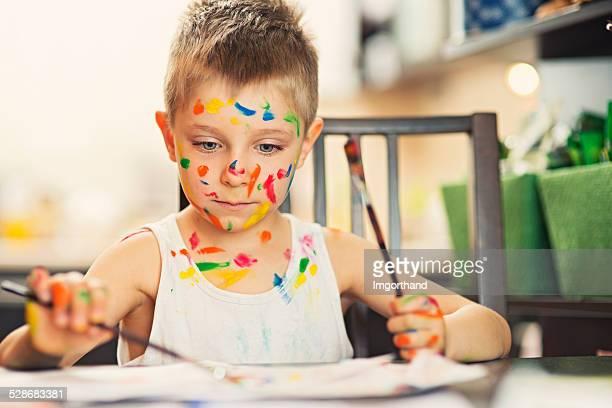 Bambino Dipinto con due mani