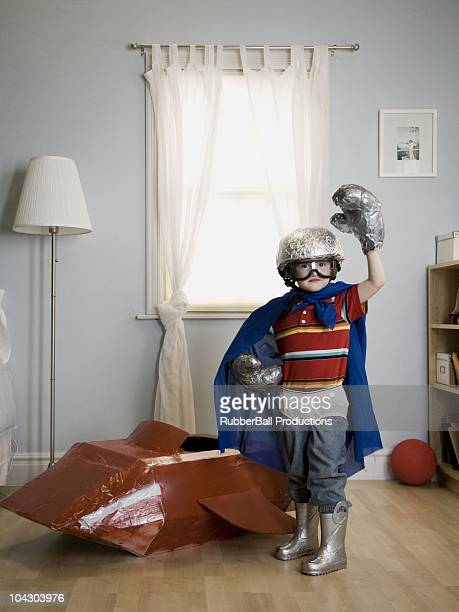 little boy playing decora
