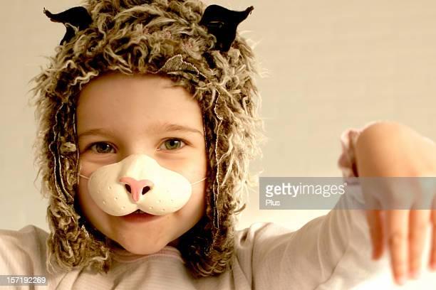 Bambina Vestita come un gatto