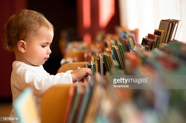 Little girl in library