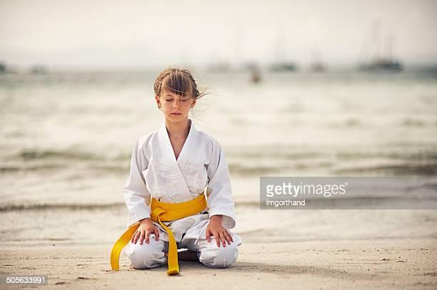 Poco Chica karate enfoque