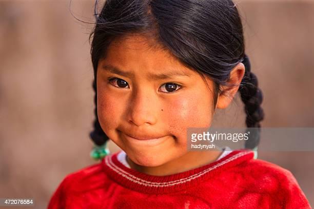 Pequena Menina Peruana perto Canion Colca, Arequipa, Peru