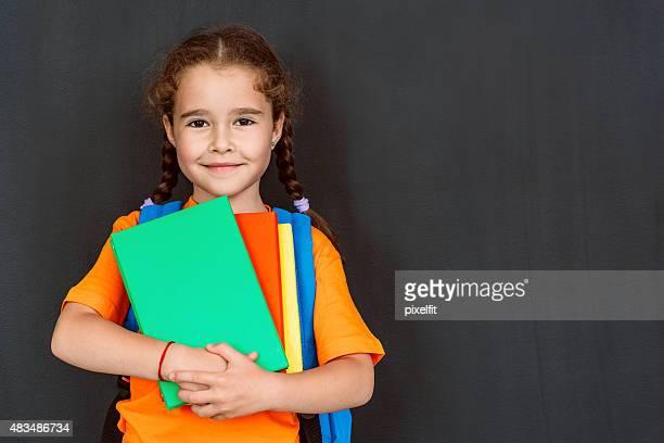 Petite fille étudiante