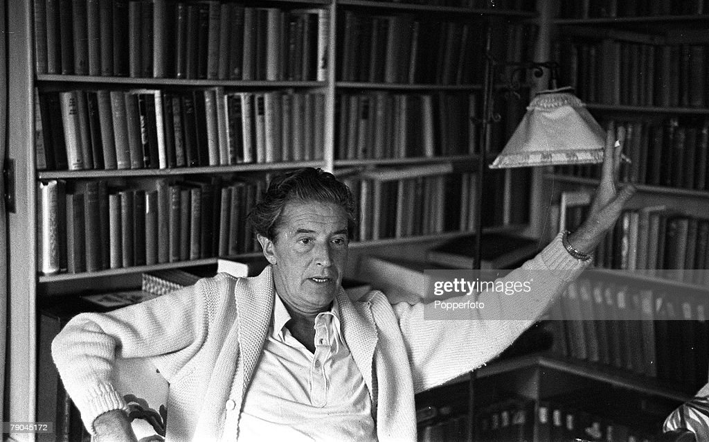 1949 Littlewick Green Maidenhead England A picture of Welsh actor composer songwriter and playwright Ivor Novello at his home