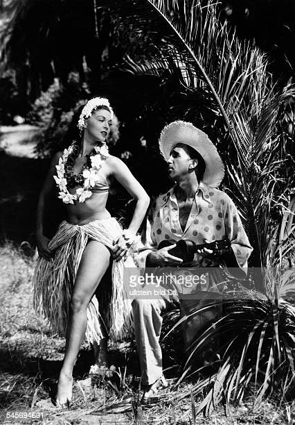 Litto Maria*Ballet dancer Germanywith Bruce Low in the film adaptation of Paul Abraham's operetta 'The Flower of Hawaii' direction Geza von Cziffra