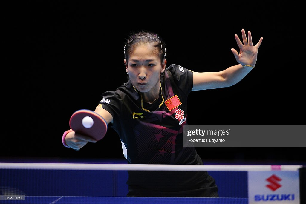 <a gi-track='captionPersonalityLinkClicked' href=/galleries/search?phrase=Liu+Shiwen+-+Table+Tennis+Player&family=editorial&specificpeople=2267824 ng-click='$event.stopPropagation()'>Liu Shiwen</a> of China competes against Feng Tianwei of Singapore during a Women's singles quarter-final match at the 22nd 2015 ITTF Asian Table Tennis Championships at Pattaya Sports Indoor Stadium on October 1, 2015 in Pattaya, Thailand.