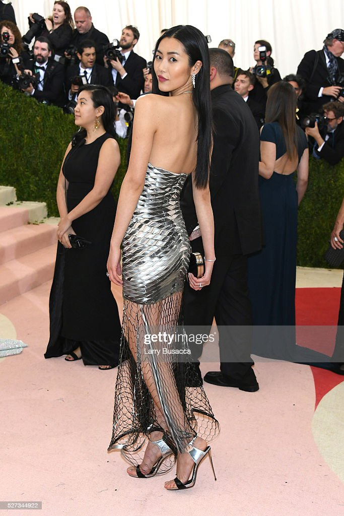Liu Wen attends the 'Manus x Machina: Fashion In An Age Of Technology' Costume Institute Gala at Metropolitan Museum of Art on May 2, 2016 in New York City.