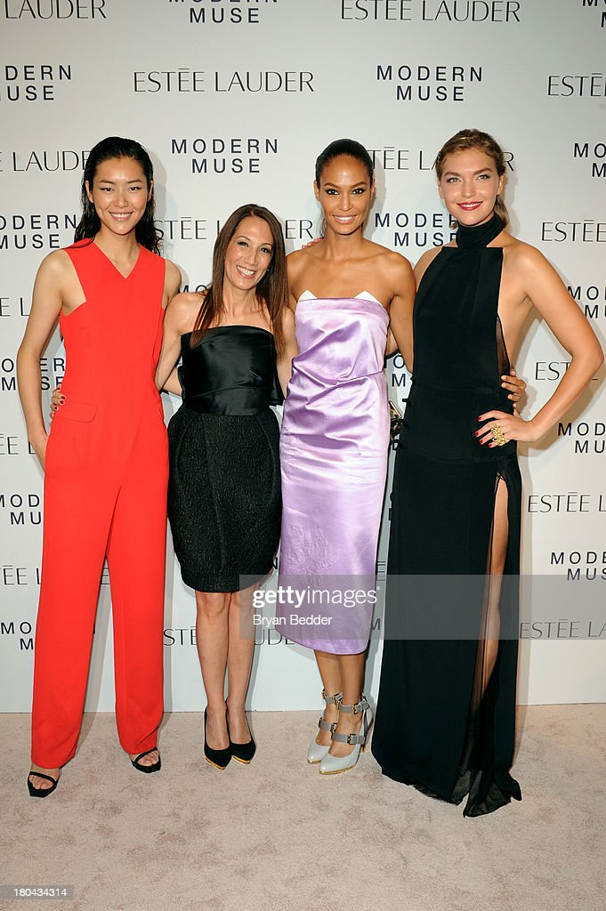 <a gi-track='captionPersonalityLinkClicked' href=/galleries/search?phrase=Liu+Wen&family=editorial&specificpeople=5523814 ng-click='$event.stopPropagation()'>Liu Wen</a>, Jane Hertzmark Hudis, Global Brand President, Estee Lauder, <a gi-track='captionPersonalityLinkClicked' href=/galleries/search?phrase=Joan+Smalls&family=editorial&specificpeople=5714628 ng-click='$event.stopPropagation()'>Joan Smalls</a> and <a gi-track='captionPersonalityLinkClicked' href=/galleries/search?phrase=Arizona+Muse&family=editorial&specificpeople=7109685 ng-click='$event.stopPropagation()'>Arizona Muse</a> attend the Estee Lauder 'Modern Muse' Fragrance Launch Party at the Guggenheim Museum on September 12, 2013 in New York City.