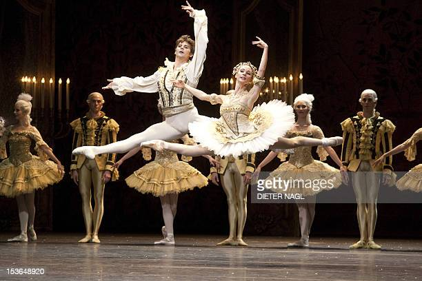 Liudmila Konovalova Vladimir Shishov and members of the ensemble perform during the dress rehearsal of the ballet 'Nutcracker' at the Wiener...