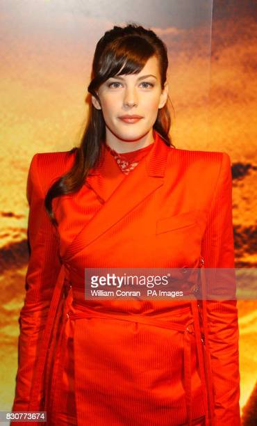 Liv Tyler at the Tobacco Dock in London for the after show party of the world premiere of Lord of the Rings The Fellowship of the Ring lotrgal
