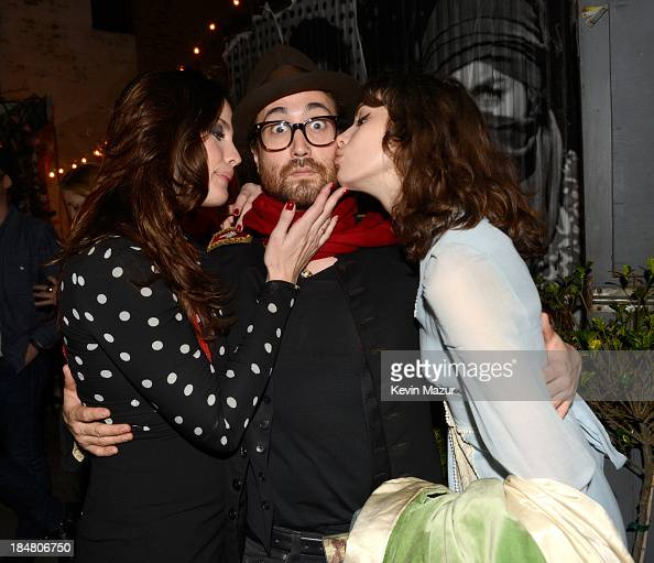 Liv Tyler Sean Lennon and Charlotte Kemp Muhl attend a performance benefitting David Lynch Foundation at Electric Lady Studio on October 16 2013 in...