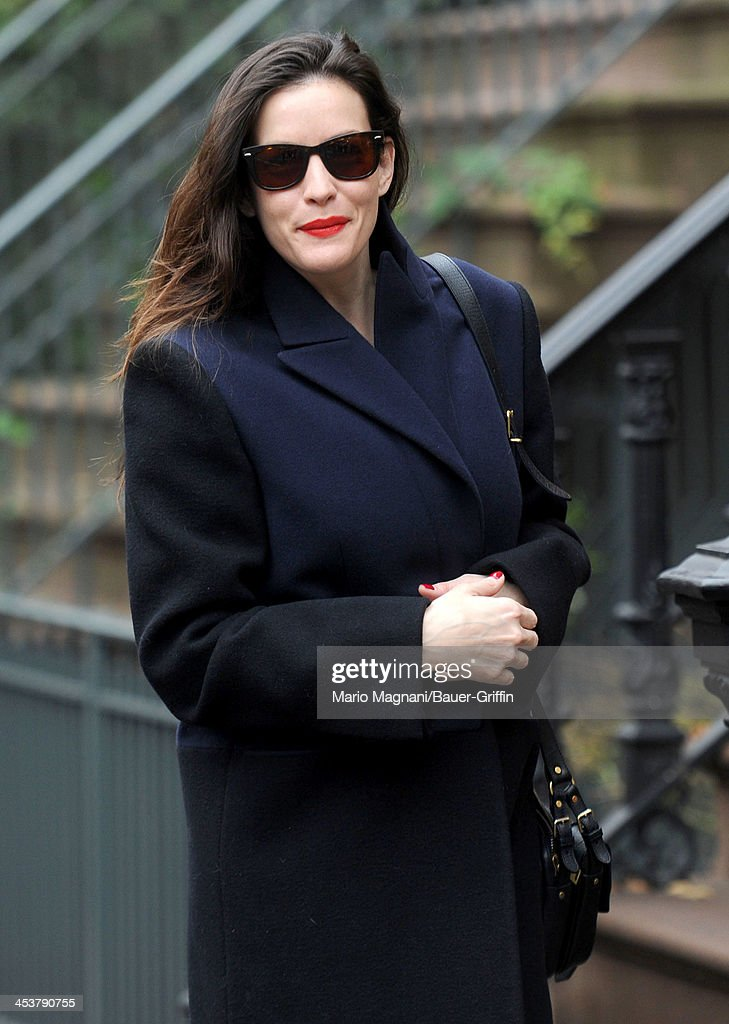 <a gi-track='captionPersonalityLinkClicked' href=/galleries/search?phrase=Liv+Tyler&family=editorial&specificpeople=202094 ng-click='$event.stopPropagation()'>Liv Tyler</a> sighted walking in the West Village on December 05, 2013 in New York City.