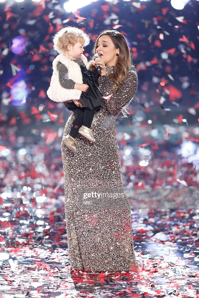 THE VOICE -- 'Live Finale' Episode 1018B -- Pictured: <a gi-track='captionPersonalityLinkClicked' href=/galleries/search?phrase=Alisan+Porter&family=editorial&specificpeople=668247 ng-click='$event.stopPropagation()'>Alisan Porter</a> --