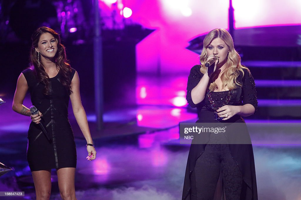 THE VOICE -- 'Live Finale' Episode 323B -- Pictured: (l-r) Cassadee Pope, Kelly Clarkson --