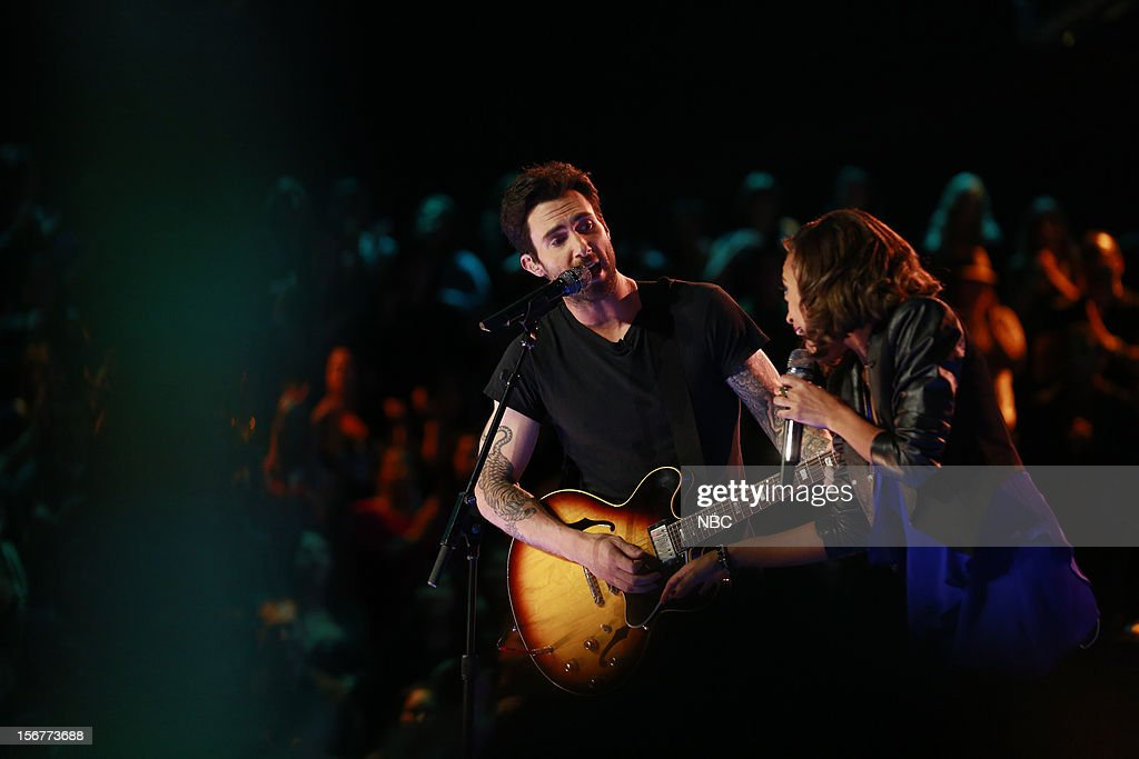 THE VOICE -- 'Live Show' Episode 319B -- Pictured: (l-r) <a gi-track='captionPersonalityLinkClicked' href=/galleries/search?phrase=Adam+Levine+-+Singer&family=editorial&specificpeople=202962 ng-click='$event.stopPropagation()'>Adam Levine</a>, Amanda Brown --
