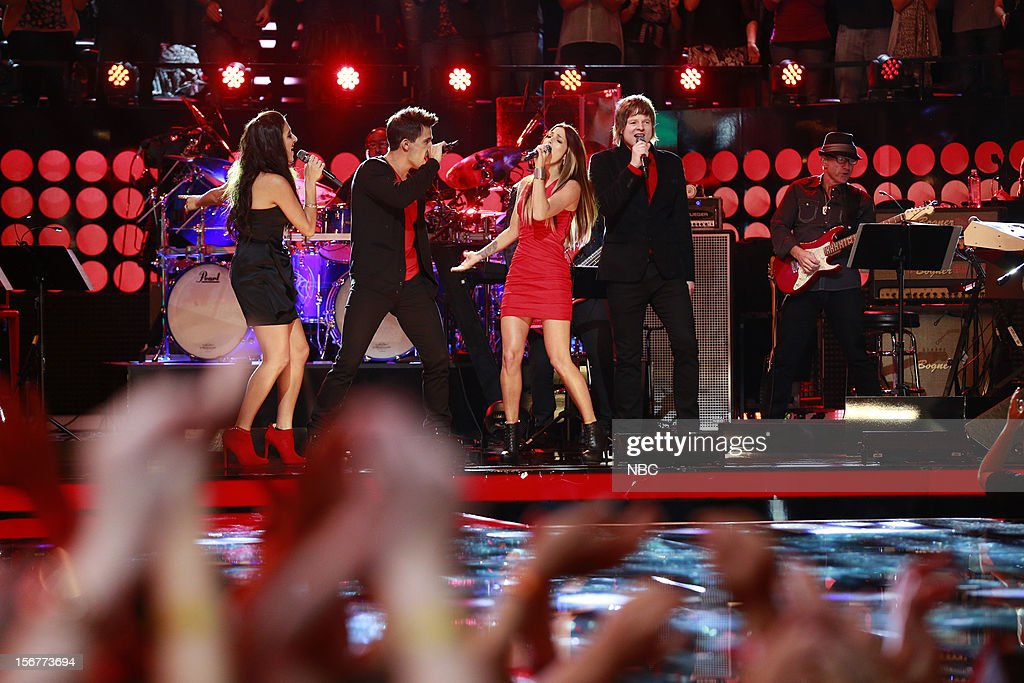 THE VOICE -- 'Live Show' Episode 319B -- Pictured: (l-r) Sylvia Yacoub, Dez Duron, Cassadee Pope, Terry McDermott --