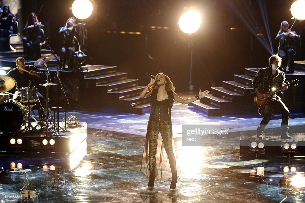 THE VOICE -- 'Live Show' Episode 320A -- Pictured: Amanda Brown --