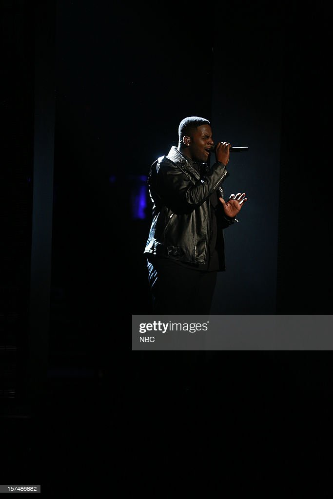 THE VOICE -- 'Live Show' Episode 321A -- Pictured: Trevin Hunte --