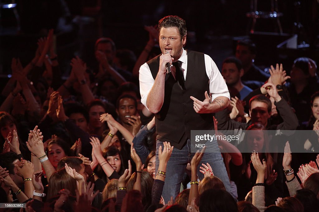 THE VOICE -- 'Live Show' Episode 323A -- Pictured: Blake Shelton --