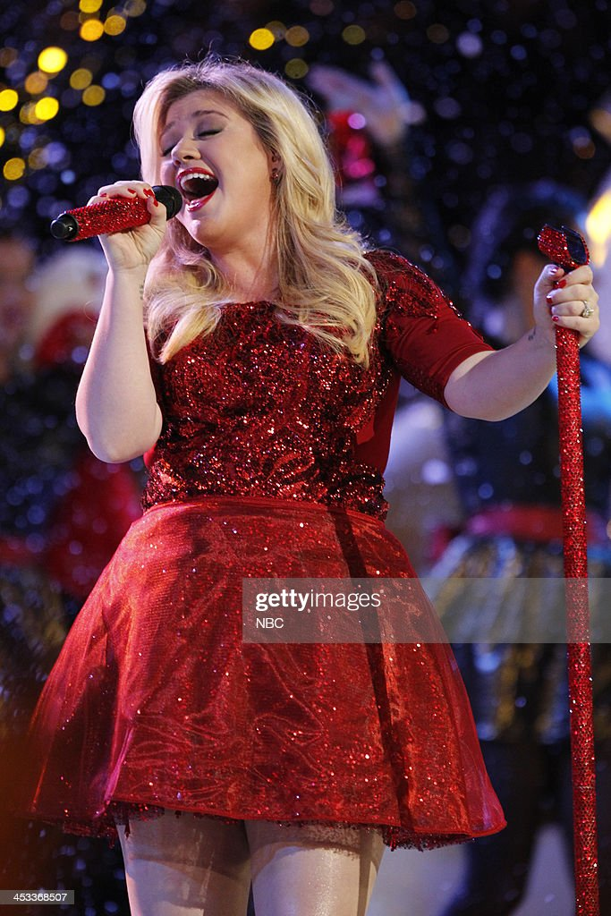 THE VOICE -- 'Live Show' Episode 517B -- Pictured: <a gi-track='captionPersonalityLinkClicked' href=/galleries/search?phrase=Kelly+Clarkson&family=editorial&specificpeople=201555 ng-click='$event.stopPropagation()'>Kelly Clarkson</a> --