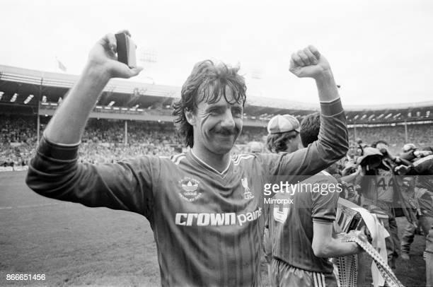 Liverpool FC 31 Everton FC FA Cup Final 1986 Wembley Stadium Saturday 10th May 1986 Post Match Scenes Mark Lawrenson