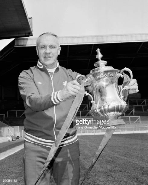 Volume 2 Page 18 Pic 18Pic 9 Liverpool Manager Bill Shankly with the FA Cup trophy which the club won in 1974