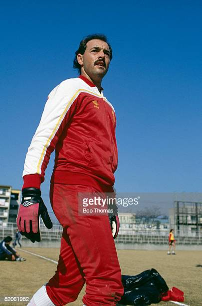 Liverpool goalkeeper Bruce Grobbelaar during their training session in Tokyo prior to the World Club Championship match against Independiente...