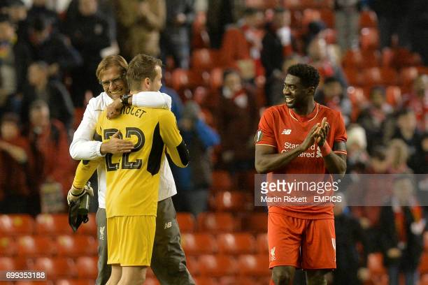 Liverpool manager Jurgen Klopp Simon Mignolet and Kolo Toure celebrate at the end of the game