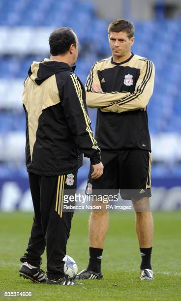 Liverpool manager Rafael Benitez in conversation with Steven Gerrard during a Training Session at Stamford Bridge London