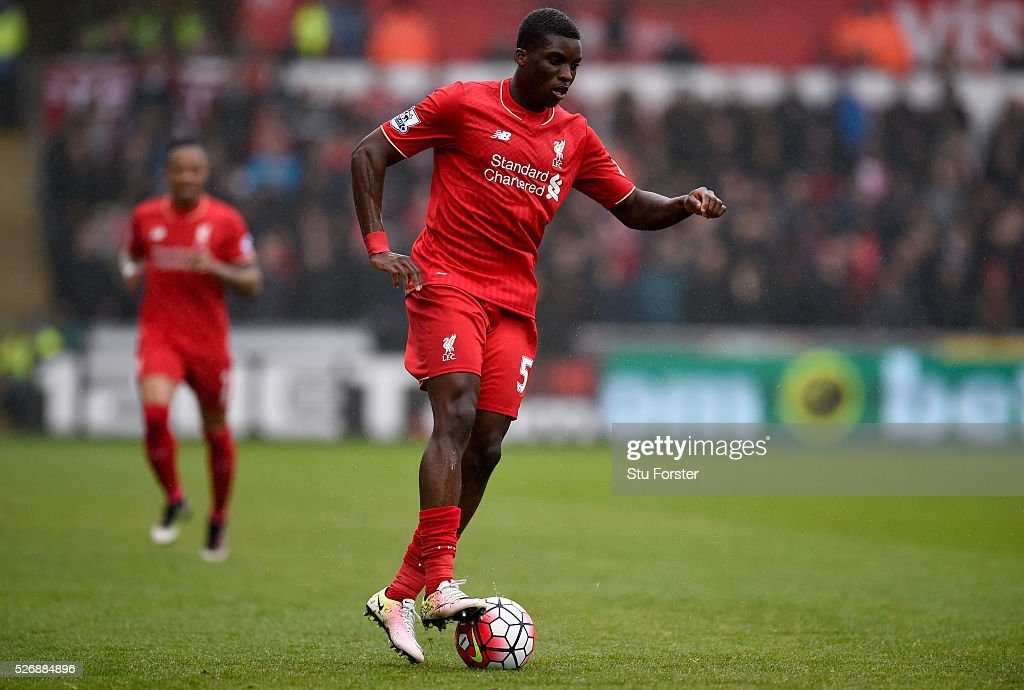 Liverpool player <a gi-track='captionPersonalityLinkClicked' href=/galleries/search?phrase=Sheyi+Ojo&family=editorial&specificpeople=12319409 ng-click='$event.stopPropagation()'>Sheyi Ojo</a> in action during the Barclays Premier League match between Swansea City and Liverpool at The Liberty Stadium on May 1, 2016 in Swansea, Wales.