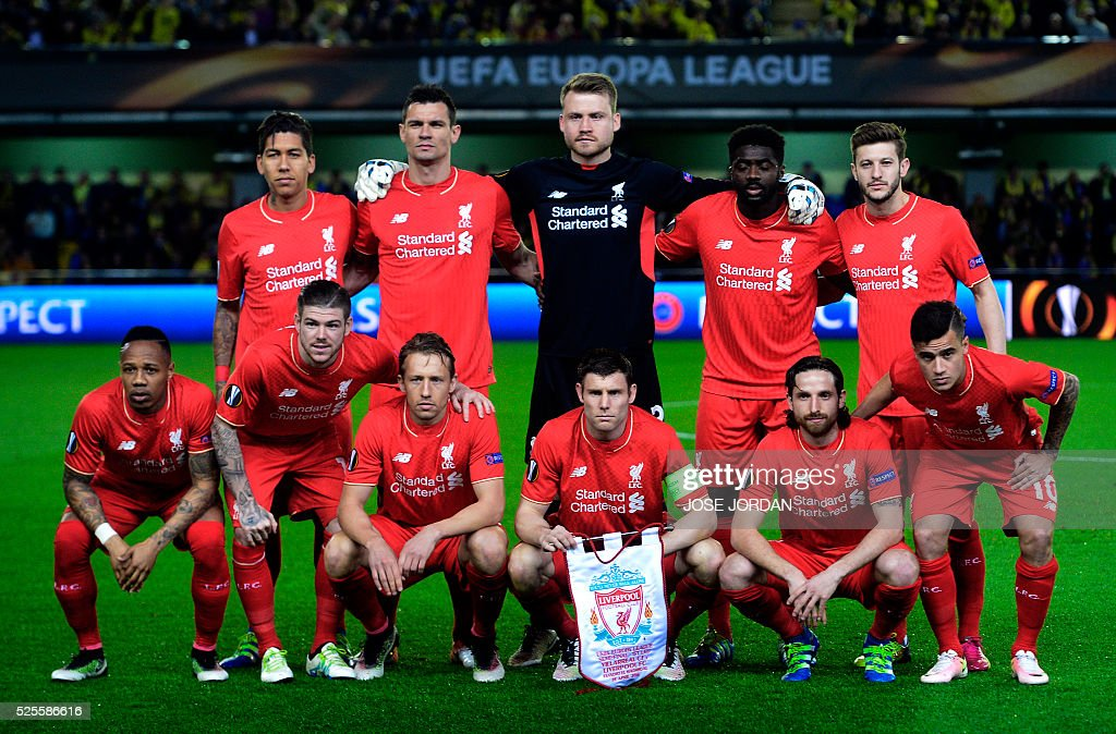 Liverpool team pose before the UEFA Europa League semifinals first leg football match Villarreal CF vs Liverpool FC at El Madrigal stadium in Vila-real on April 28, 2016. / AFP / JOSE