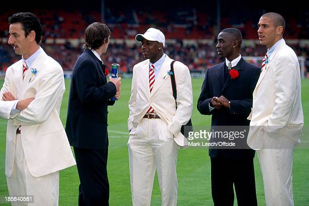 FINAL Liverpool v Manchester United Ian Rush Lee Sharpe Michael Thomas Andy Cole and Stan Collymore mingle before kick off