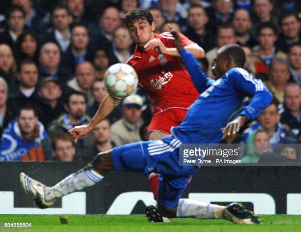 Liverpool's Alvaro Arbeloa and Chelsea's Claude Makelele battle for the ball