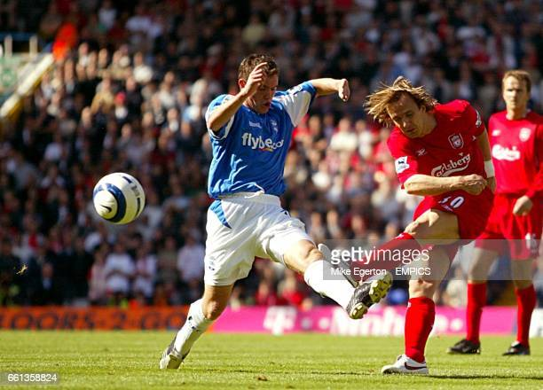 Liverpool's Boudewijn Zenden and Birmingham City's Neil Kilkenny