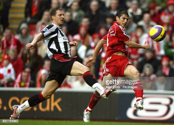 Liverpool's Mark Gonzalez and Sheffield United's Phil Jagielka battle for the ball