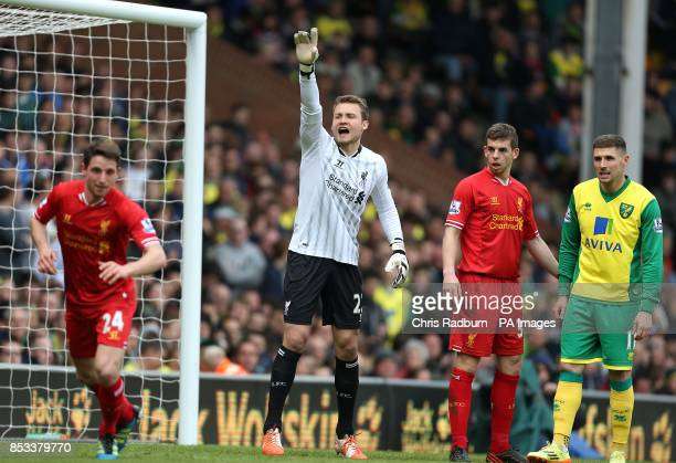 Liverpool's Simon Mignolet calls for the ball