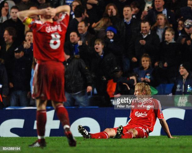 Liverpool's Steven Gerrard and Sami Hyypia are dejected after Chelsea are awarded a penalty