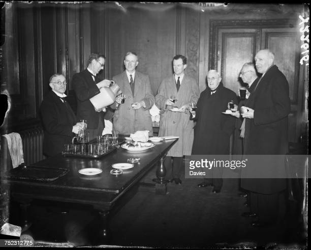 Liverymen of the Stationers' Company at the Stationers' Hall in the City of London for their annual gift of cakes and ale 6th March 1946 The ceremony...