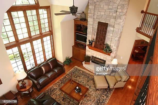 Wohnzimmer im gehobenen wie zu Hause fühlen.
