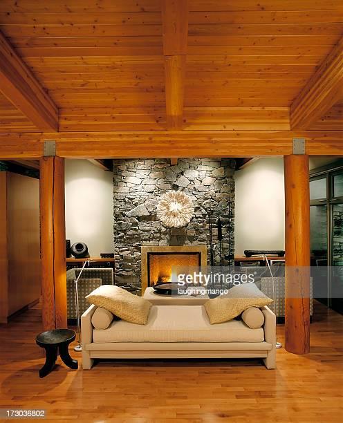 Luxus estate home.