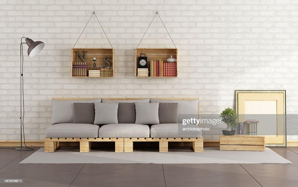 Wohnzimmer Mit Paletten Sofa : Stock Foto