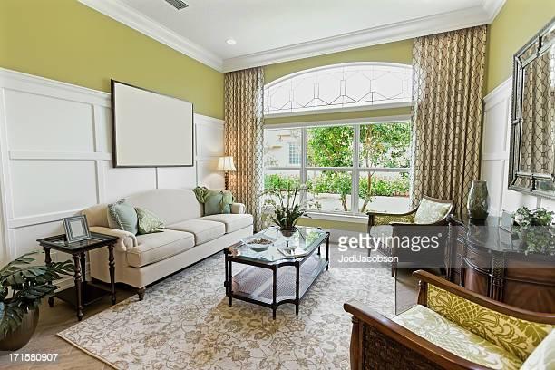 Casa interior sala de estar de la suite