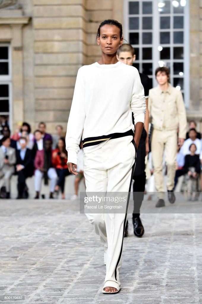 liya-kebede-walks-the-runway-during-the-berluti-menswear-springsummer-picture-id800170532